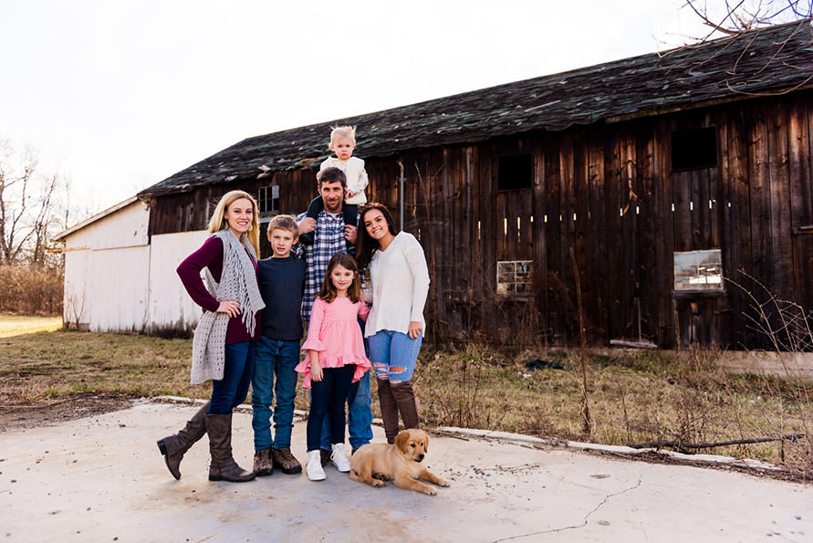 family-photography-barn-sunset-photoshoot-lolamedia-lori-satterthwaite